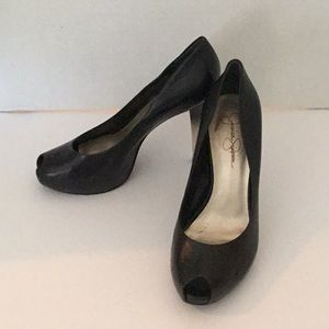 "JESSICA SIMPSON SIZE 8M 4.5"" BLACK LEATHER SHOES"
